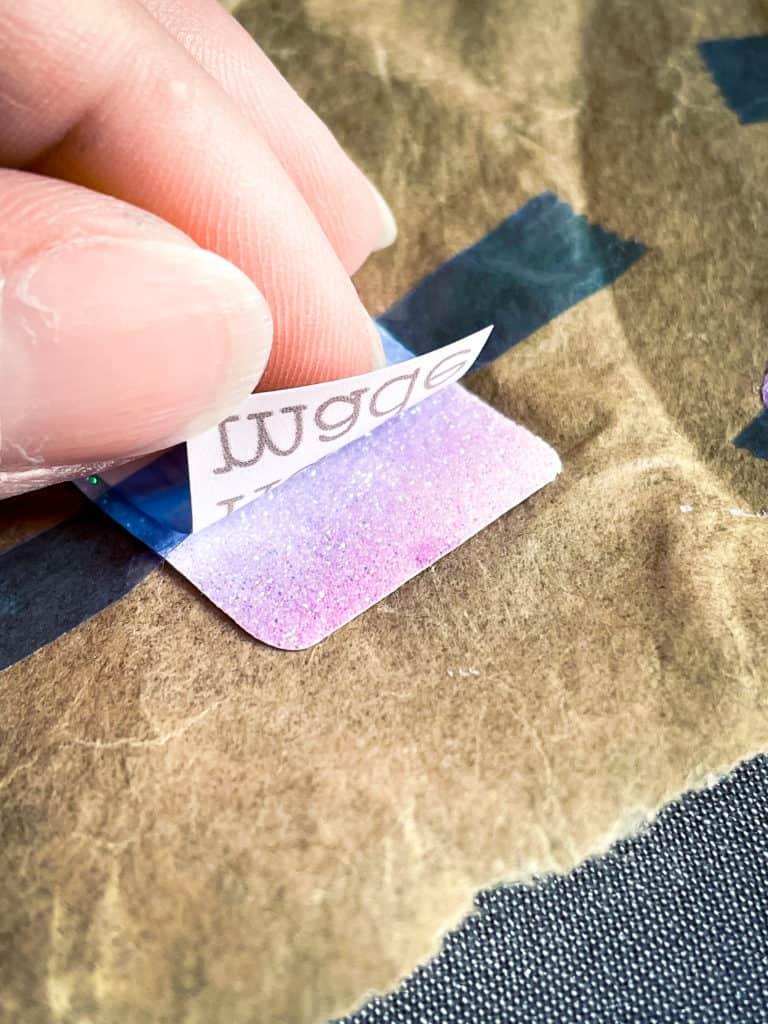 handmade-Label auf Flexfolie, SnapPap und Satinband. Gestempelte Aufkleber und Größenlabels.